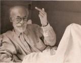 Voline, sur son lit de mort, commentant le fait qu'il ait survécu de cinq ans <a Trotsky.